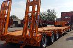 梁山长虹   11-13米 轻量化  钩机运输低平板半挂车   自重7.5吨保拉50吨